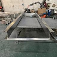 铝单板门框成型中