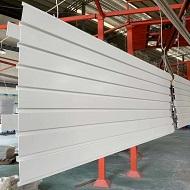 白色铝单板板面带凹槽